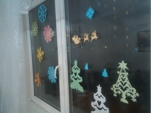 Украшение окна на НГ